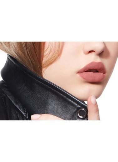 Dior Dior 3348901363815 Rouge Liquid 221 Chic Matte 3 Farklı Bitişli Ruj Renksiz